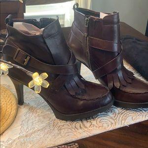 B.Makowsky Leather Boots size 8